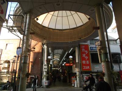 京橋ゴスペル教室行き方。新京橋商店街天井ドーム広場